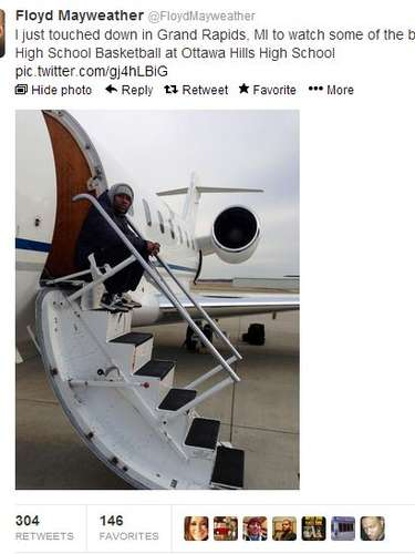 Floyd Mayweather managed to both stay true to his roots and boast his millionaire lifestyle in one simple tweet.