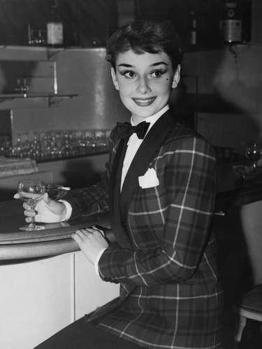 En una época dominada por actrices con exuberantes curvas que hacían gala de la voluptuosidad, la protagonista de \