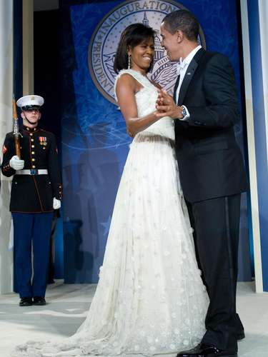 5. During one of the paties after he started his presidency, Obama stepped on his wife's dress while they were dancing.
