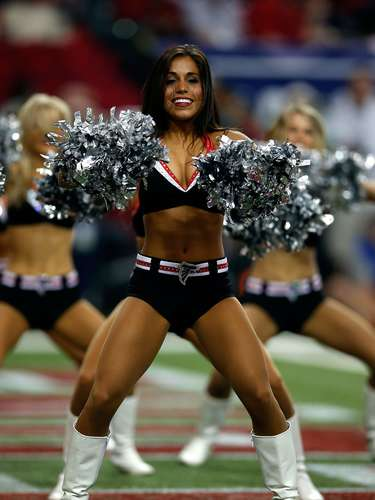 Esta bella chica de los Falcons de Atlanta brilló en el juego ante los 49ers de San Francisco, en el partido de Campeonato de la NFC en el Georgia Dome, el 20 de enero de 2013.
