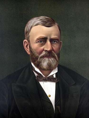 ULYSSES: inspirado en el presidente Ulysses S. Grant. (De 1869 a 1877). Su nombre de pila es Hiram Ulysses Grant, pero es conocido como Ulysses S. Grant . Logró fama internacional al liderar la Unión en la Guerra Civil Estadounidense, capturando Vicksburg (Mississippi) en 1863 y Richmond en 1865. Además, se opuso a la Guerra contra México. Ulysses es un nombre que derrocha valentía y espíritu de aventura. Ulysses era el héroe de la Odisea.