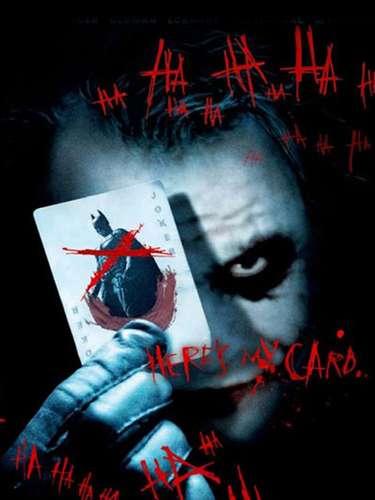 El origen de este sonriente personaje fue escrito de cero por el director Christopher Nolan para evitar comparaciones con la interpretación de Jack Nicholson en el primer filme del hombre murciélago. El actor australiano recibió una nominación póstuma al premio Oscar como mejor actor de reparto por su trabajo y terminó ganando el premio.