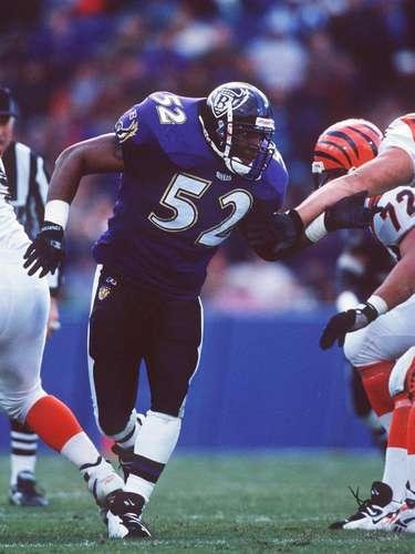 Los Ravens lo eligieron en la primera ronda, fue la selección global número 26 y de inmediato se hizo un jugador indispensabel en el equipo.