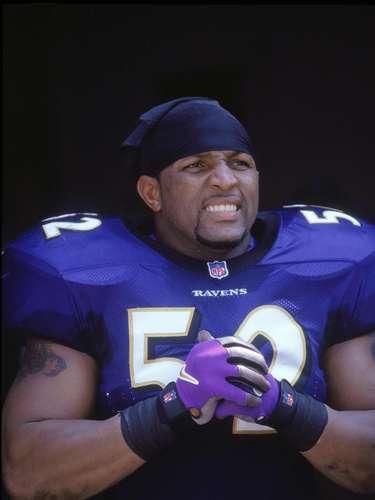 Ray fue nominado 13 veces al Pro Bowl, ganó dos veces el jugador defensivo del año y fue incluido en el equipo de la década (2000) de la NFL.