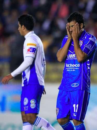 Celaya se lanzó con todo al frente, pero sus jugadores no tenían contundencia y lo lamentaban.