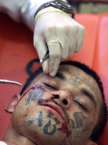 Los Maras encabezaron el levantamiento de South Central de Los Angeles, en reacción al abuso policial contra Rodney King en la década de los noventas.