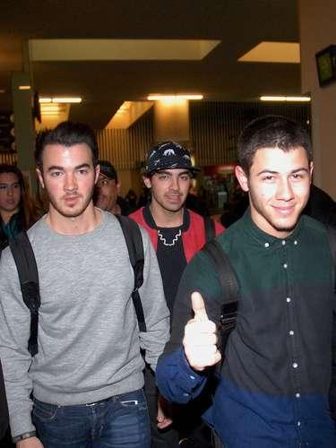 Por otra parte, Los Jonas Brothers, indicaron que además de volver a tocar como grupo, ninguno de los tres dejará de lado sus proyectos independientes.