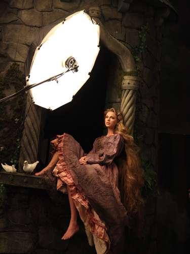 La ganadora seis veces del Grammy, Taylor Swift se convirtió en la nueva princesa de Disney, la bella Rapunzel