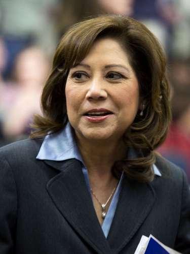 Otra de las plazas vacantes es la Secretaría de Trabajo. Hilda Solís, la primera latina en encabezar una importante agencia federal en EE.UU., anunció sus planes de renuncia, pero aún no suena ningún nombre para cubrir su cargo.