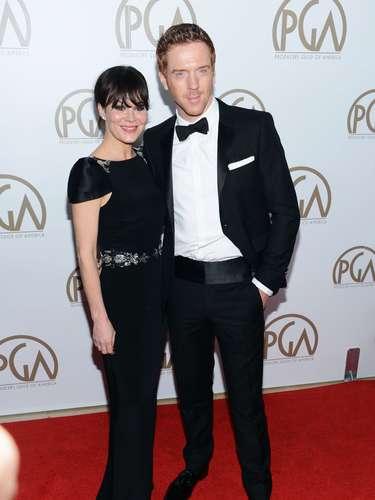 Los actores Helen McCrory y el reciente ganador del Globo de Oro, Damian Lewis lucen impecables en la alfombra roja
