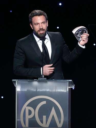 Ben Affleck recibió el máximo premio de la noche al ser 'Argo', película que dirige, actúa y produce, la ganadora como Mejor película