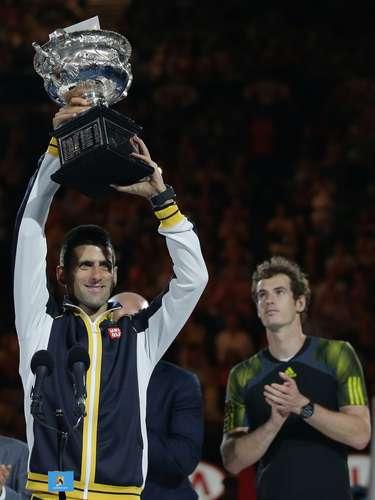 Con este cuarto triunfo en Australia, el jugador de Belgrado igualó a Roger Federer, Jack Crawford, Rosewall y Agassi.