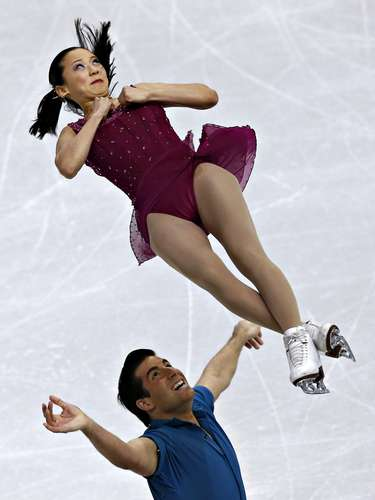 Felicia Zhang and Nathan Bartholomay compete during the pairs free skate at the U.S. Figure Skating Championships in Omaha, Nebraska, January 26, 2013.  REUTERS/Jim Young  (UNITED STATES - Tags: SPORT FIGURE SKATING)