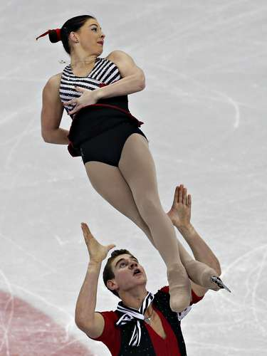 Haven Denney and Brandon Frazier compete during the pairs free skate at the U.S. Figure Skating Championships in Omaha, Nebraska, January 26, 2013.  REUTERS/Jim Young  (UNITED STATES - Tags: SPORT FIGURE SKATING)