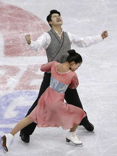 Maia and Alex Shibutani react after competing during the free dance at the U.S. Figure Skating Championships in Omaha, Nebraska, January 26, 2013.  REUTERS/Jim Young  (UNITED STATES - Tags: SPORT FIGURE SKATING)