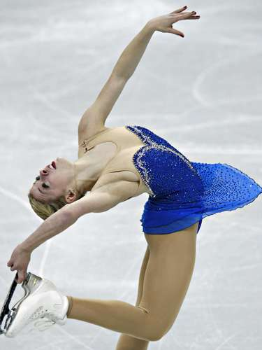 Gracie Gold competes during the Ladies Free Skate event at the U.S. Figure Skating Championships in Omaha, Nebraska, January 26, 2013.  REUTERS/Jim Young  (UNITED STATES - Tags: SPORT FIGURE SKATING)