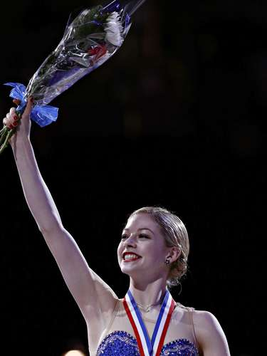 Gracie Gold waves to the audience after winning the silver medal in the Ladies competition at the U.S. Figure Skating Championships in Omaha, Nebraska, January 26, 2013.  REUTERS/Jim Young  (UNITED STATES - Tags: SPORT FIGURE SKATING)