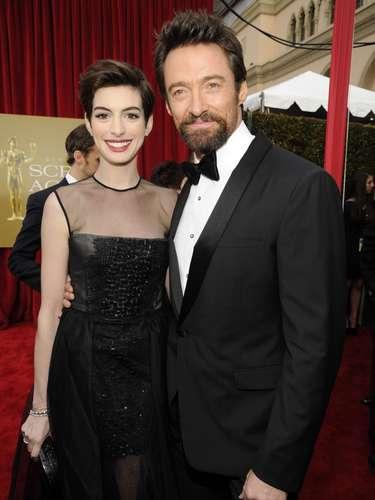 Los protagonistas de 'Los Miserables', Anne Hathaway y Hugh Jackman, fueron toda una sensación a su llegada a la premiación.
