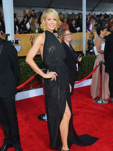 As does actress Jenna Elfman!