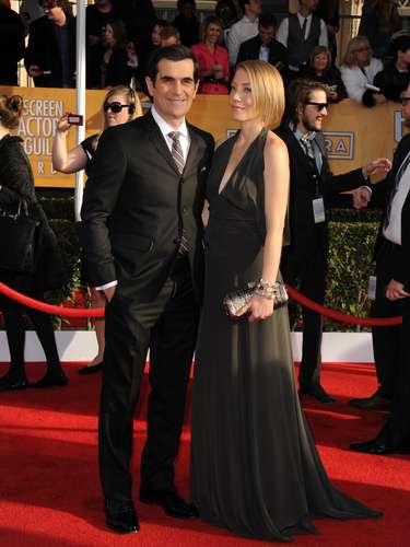 El guapísimo Ty Burrell se luce en esta alfombra roja junto a su esposa Holly