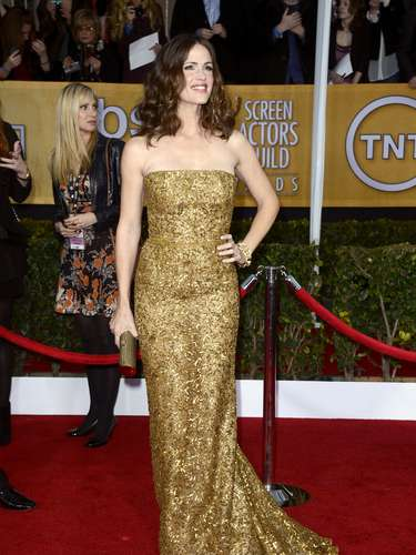 BEST.  Jennifer Garner was golden in this flattering gown by Oscar de la Renta.