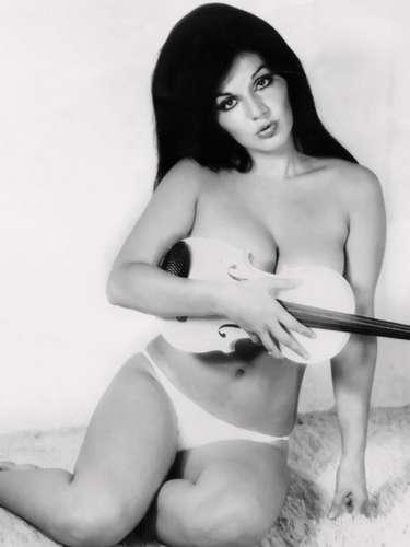 A sus 29 años, la exuberante Olga Breeskin era una de las vedettes más admiradas por los caballeros mexicanos.