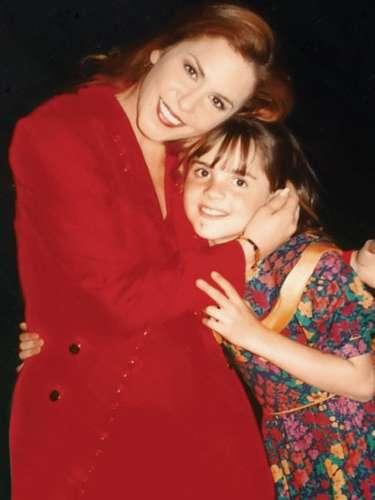 Zoraida Gómez hace 18 años cuando participaba en la telenovela 'Imperio de Cristal' junto a Rebecca Jones.