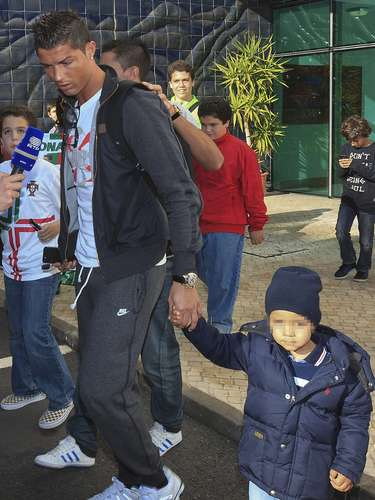 July 4, 2010, a few days after the elimination of Portugal in South Africa 2010, Ronaldo announced on Twitter and Facebook that he was the father of a child, Cristiano Ronaldo Jr. He arranged with the mother that her identity be a secret and that the child remain with his father.