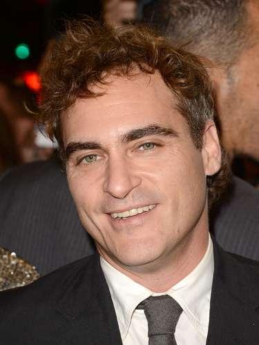 En el 2008, el actor Joaquín Phoenix anunció que dejaría las películas para dedicarse a la producción y dirección. Después el actor hasta cantante se volvió y criticó a Hollywood y sus premiaciones. En el 2012 regresó y ya hasta nominado al Oscar está nuevamente