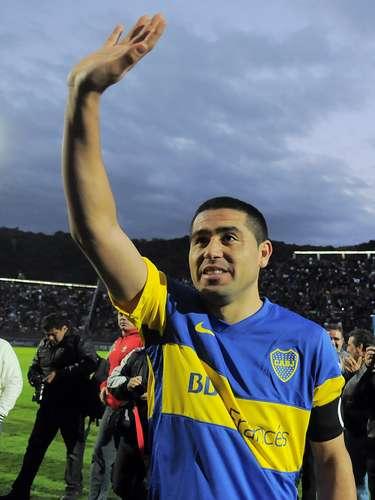¿Finalmente vuelve? Román Riquelme volvería a Boca tras seis meses de inactividad. No se lo considera refuerzo porque tiene contrato con el club, pero sería la incorporación más importante del equipo de Bianchi.
