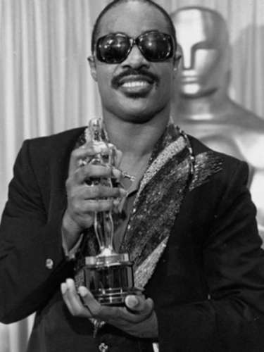 En 1984, Stevie Wonder ganó el Oscar por 'I Just Called to Say I Love You', canción compuesta para la película 'The Woman in Red'.