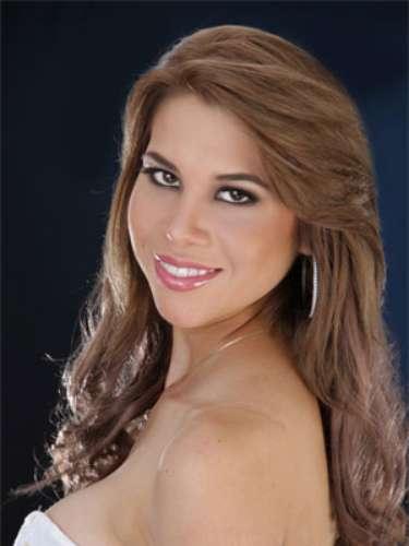 Diana Vallejo Diaz - Pichincha. Tiene 18 años de edad, su estatura es de 1.72 metros y como idioma adicional domina el inglés.