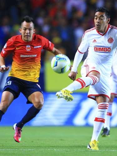Marco Fabián viene de meter gol al San Luis y su posición le demanda ser el 'motor' ofensivo del conjunto tapatío.