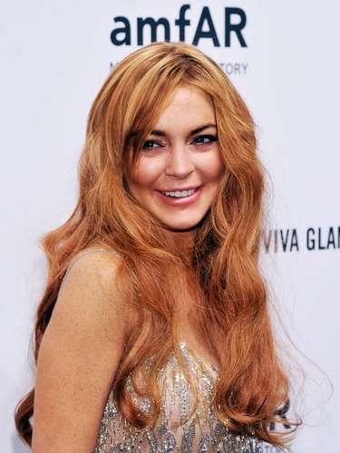 Lindsay lució más aegre y hasta con las extensiones del cabellomás largas