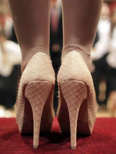 Ensayo del famoso baile de los debutantes en la ópera de Viena. 180 parejas de chicos y chicas vestidas de forma elegante son los que componen el grupo que actuará en el patio de butacas de la ópera de Viena con sus asientos quitados, según una antigua tradición