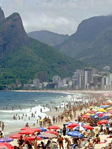 7. Río de Janeiro, la ciudad más feliz del mundo. De acuerdo a un estudio realizado por la revista Forbes, este destino turístico es considerada como la ciudad más feliz de todo el planeta.