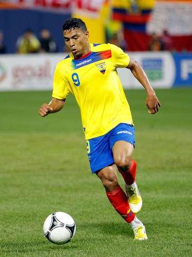 Jefferson Montero jugó 66 minutos, fue amonestado al 44 y a los dos minutos de juego, colaboró con la asistencia para que Antonio Valencia abriera el marcador.