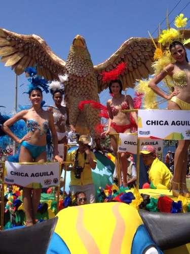 La carroza de Águila conmemoraba los 200 años del Carnaval de Barranquilla.