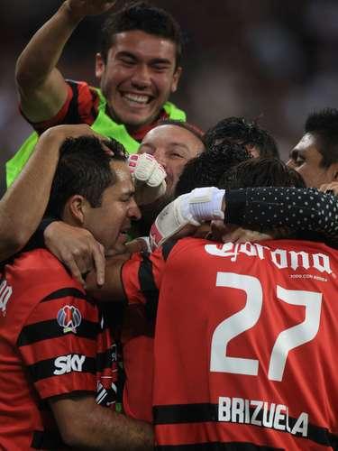 Muy temprano en el partido un desvío de Jahir Barraza le dio la ventaja a los Zorros.