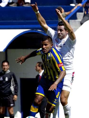 Fernando Santana le puso ganas, pero no fue suficiente para los 'Reboceros', que aún no levantan tras su título en el Apertura 2012.