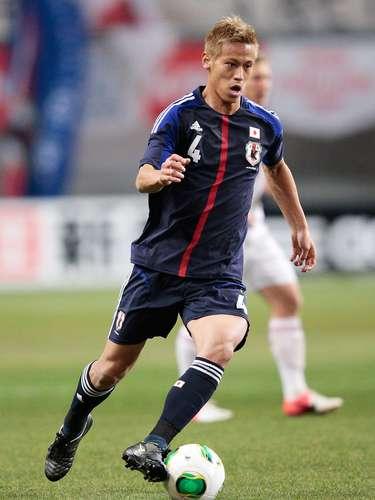 Keisuke Honda: Versátil y muy técnico,puede desempeñar diferentes roles en el ataque, yes unapieza fundamental en Japón. Socio perfecto de Vagner Love en elCSKA de Moscú, anotó dos goles en la Copa del Mundo de 2010 y fue nombrado mejor jugador de la Copa Asiática de la AFC 2011.