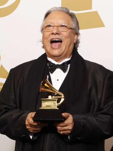 Arturo Sandoval grita de la emoción tras salir victorioso en el renglón 'Best Large Jazz Ensemble Album', por el disco\
