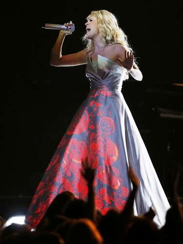 La cantante country sorprendió en el escenario de los Grammy