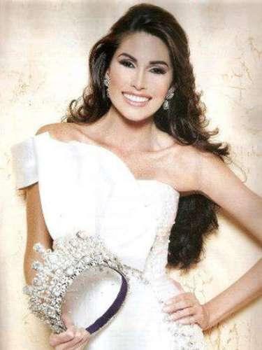 Esta joven de 24 años de edad se prepara intensamente para lograr la séptima corona de este certamen de belleza para su país, cuyo último título fue en 2009 con Stefanía Fernández.