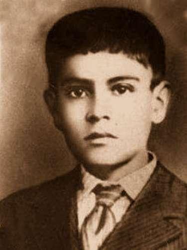 José Luis Sánchez del Río, mártir con sólo catorce años de edad, nació en Sahuayo, Michoacán el 28 de marzo de 1913, un año antes de su muerte, se unió a las fuerzas cristeras. Su tortura fue presenciada por dos niños, uno de ellos Marcial Maciel, fundador de los Legionarios de Cristo. Fue capturado por las fuerzas del gobierno, y se dice le cortaron la piel de las plantas de los pies y le obligaron a caminar hasta el cementerio, antes de dispararle, le pidieron que renegara de su fe. No lo hizo y lo mataron ahí mismo. Murió gritando \