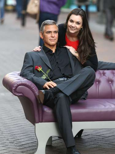 Madame Tussauds launched the new George Clooney waxwork ahead of Valentine's Day at Carnaby Street in London, England and as you can see in these images all the ladies took advantage of the perfectly made statue which immaculately immortalizes Georges classy and sophisticated looks. We saw him at last years Oscars and the guy is absolutely gorgeous. So ladies, go to Carnaby Street because this is as close as you may get to those delicious looks.