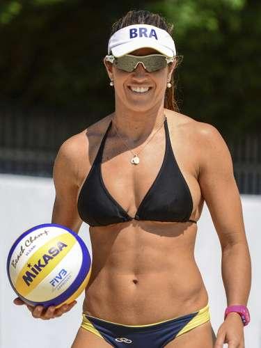 Maria Elisa (Voleibol Playa-Brasil): Esta hermosa jugadora de vóley playa es una de las mejores en la especialidad de su país, llegando a los octavos de final en Londres 2012, junto a su pareja Talita Antunes.