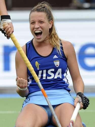 Delfina Merino (Hockey sobre Hierba-Argentina): Esta joven y bella jugadora de hockey sobre hierba ya brilla con las Leonas, la selección de su país, con la que conquistó la medalla de plata en los Juegos Olímpicos de Londres 2012.