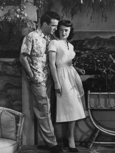 'From Here to Eternity'triunfó en la 26 entrega del Oscar al llevarse ocho reconocimientos por: Mejor película, Mejor director, Mejor actor de reparto (Frank Sinatra), Mejor actriz de reparto (Donna Reed), Mejor guión, Mejor fotografía, Mejor montaje y Mejor sonido.