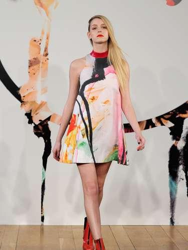 Los vestidos amplios y sueltos fueron también otro punto destacado de la colección de Jena.Theo